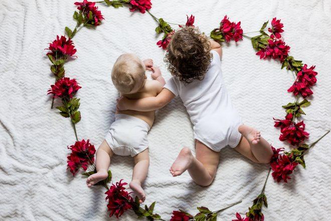 Pourquoi acheter des vêtements pour bébé d'occasion ?